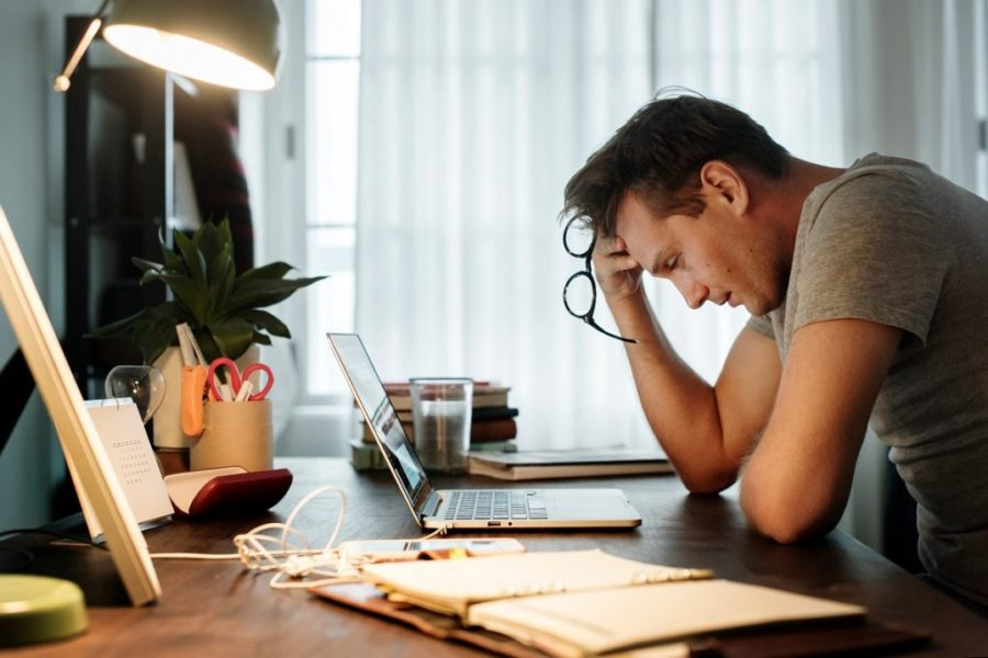 https://www.theportlandclinic.com/wp-content/uploads/2020/01/Shutterstock-Stressed-man-749x499.jpg